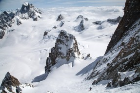 Steep skiing on Col du Diable - Couloir macho